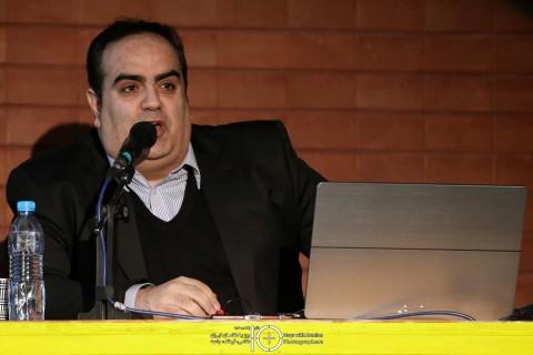 سخنرانی مهندس زاهدی مدیر و کارشناس بازیابی اطلاعات شرکت رسانه افزار در همایش ده روز با عکاسان ایران با موضوع ذخیره و بازیابی اطلاعات در دنیای تصاویر دیجیتال